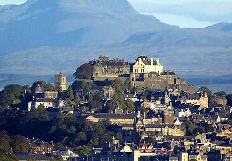 stirling-castle-and-hills.jpg