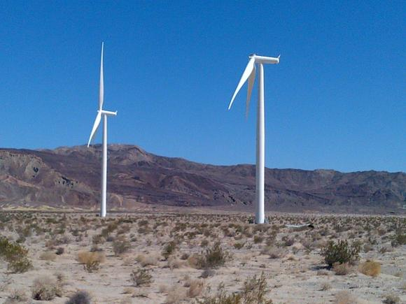 Ocotillo wind turbine blade falls (ALEJANDRO DAVILA / May 16, 2013)