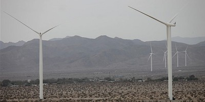 Some of the wind turbines surrounding Ocotillo – Jim Pelley photo