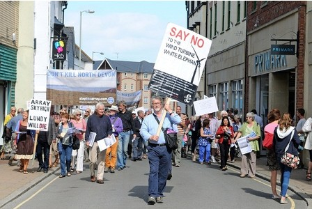 Protesters in the High st.(Pictures: Paula Davies)