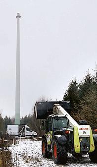 """Ohne Flügel: Orkan """"Xaver"""" Gondel hat die Gondel einer Windkraftanlage bei Döhlen abgerissen.  Bild: Olaf Blume"""