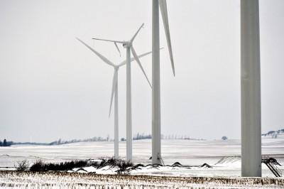 Mere end halvdelen af to af de tre 44 meter lange vinger brækkede af. Foto: Kim Dahl Hansen
