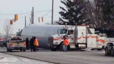 Part of a wind turbine fell from the transport truck that was hauling it Tuesday. (Tom Addison/CBC Windsor)