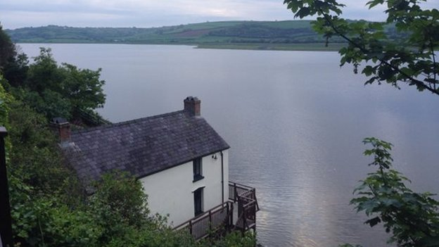 Dylan-Thomas-boathouse
