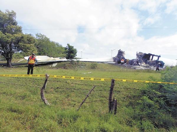 Luego de lo ocurrido con las torres eólicas, el sitio fue acordonado por las autoridades policiales. LA PRENSA/ R. VILLARREAL