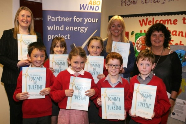 "Pupils from Hazelbank PS who received a copy of the book ""Tommy the Turbine"" from author Pauline Davidson who visited the school last week. Included are Tamzin Frazer (ABI NI Ltd.) and teacher Jackie Scott. INBT22-207AC"
