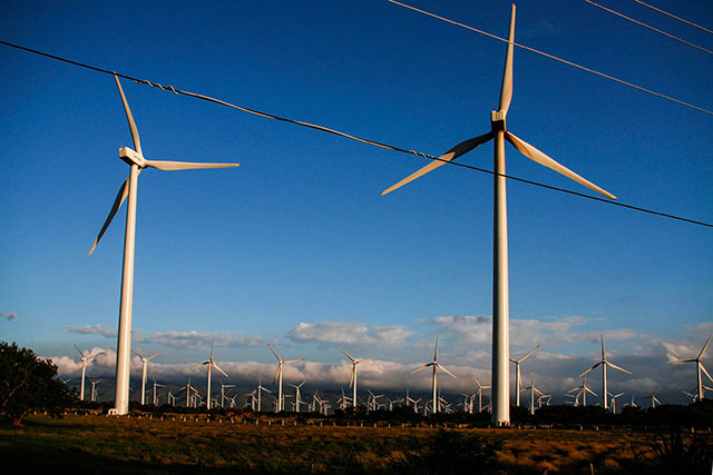 Most wind turbines are stained with lubricants in the blades and in the engine. (Photo: Santiago Navarro F.)