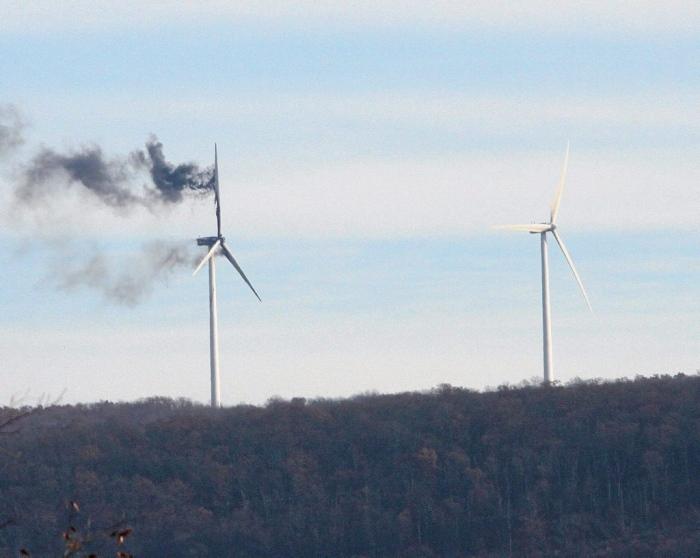 Windmill on fire at the Bear Creek Wind Park, 1650 Bald Mountain Rd, Bear Creek Village.  Warren Ruda / The Citizens' Voice