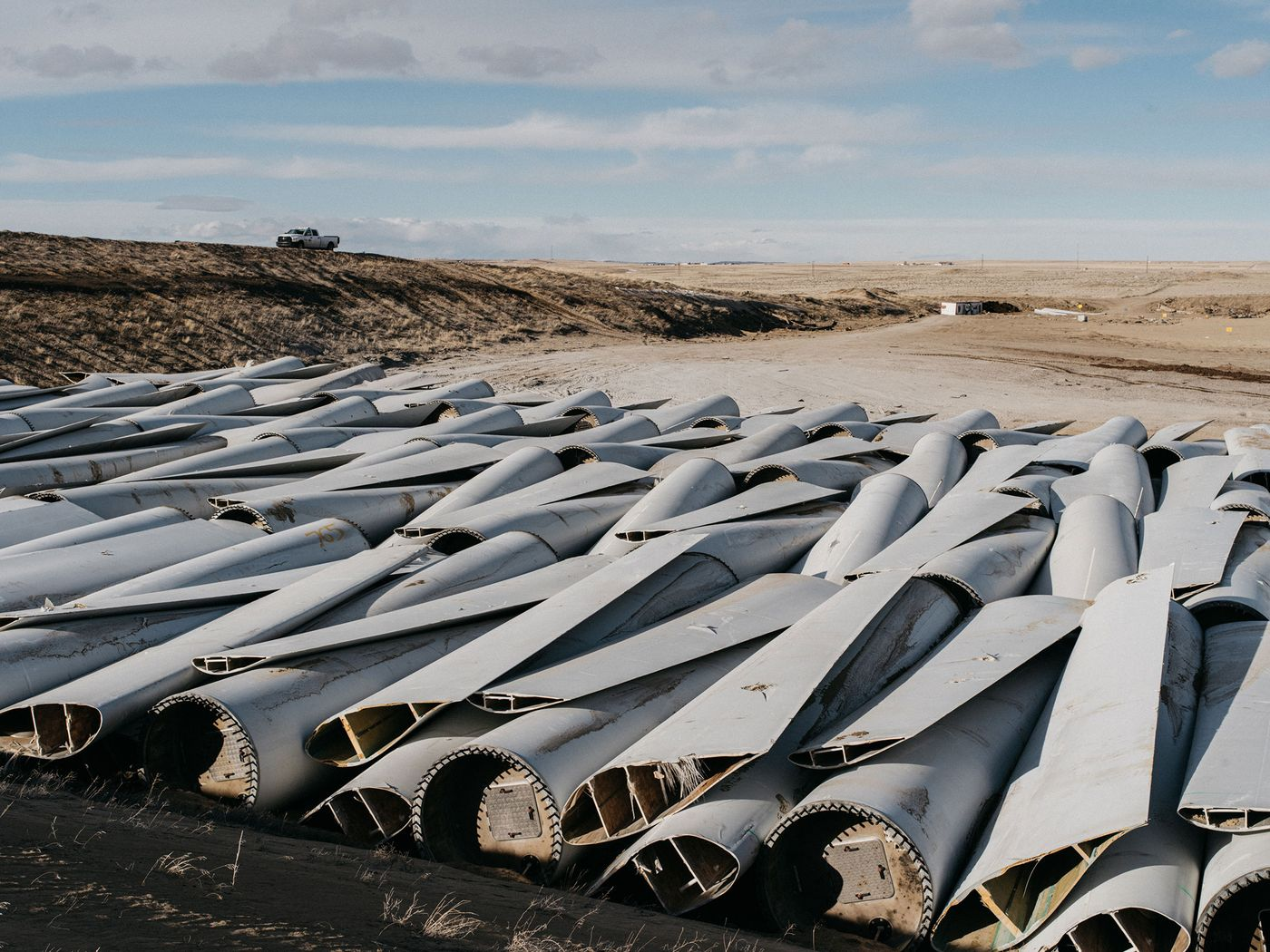 Wind turbine blades can't be recycled, so they're piling up in landfills | Wind  Energy News